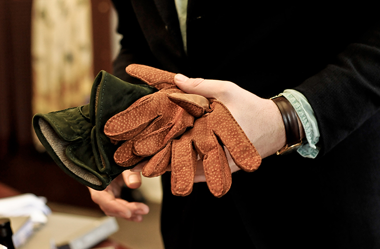 gloves-1-purwin-radczun